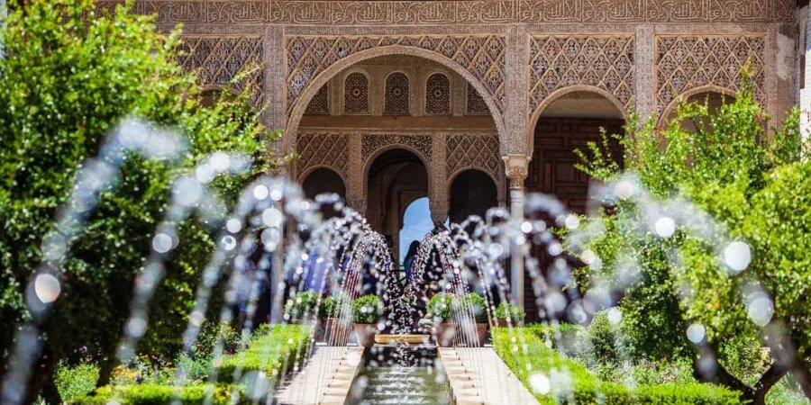 Fuente de jardin andaluz